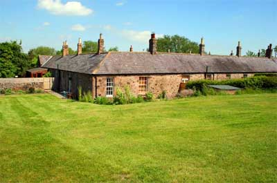 Local Accommodation - Akeld Cottage
